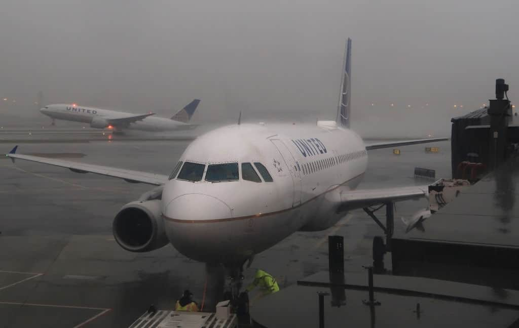 Airlines Cancel More Than 1200 Flights Due To Winter Storm